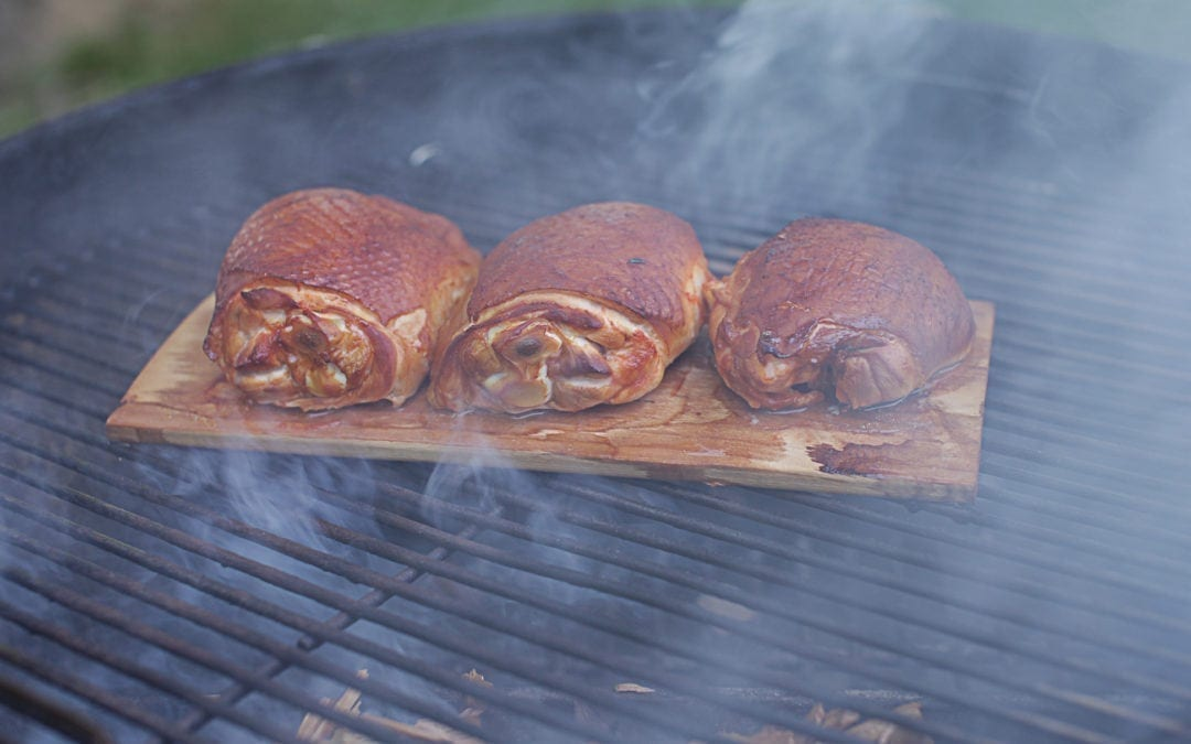 What type of wood is best for smoking chicken?